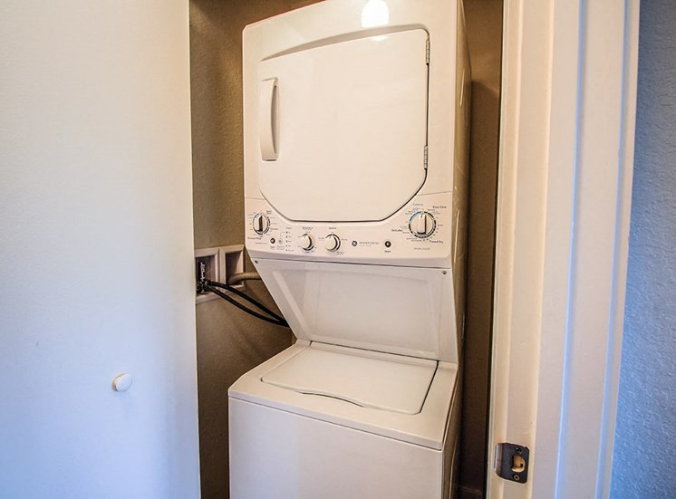 Santorini apartments in Boynton Beach with washers and dryers
