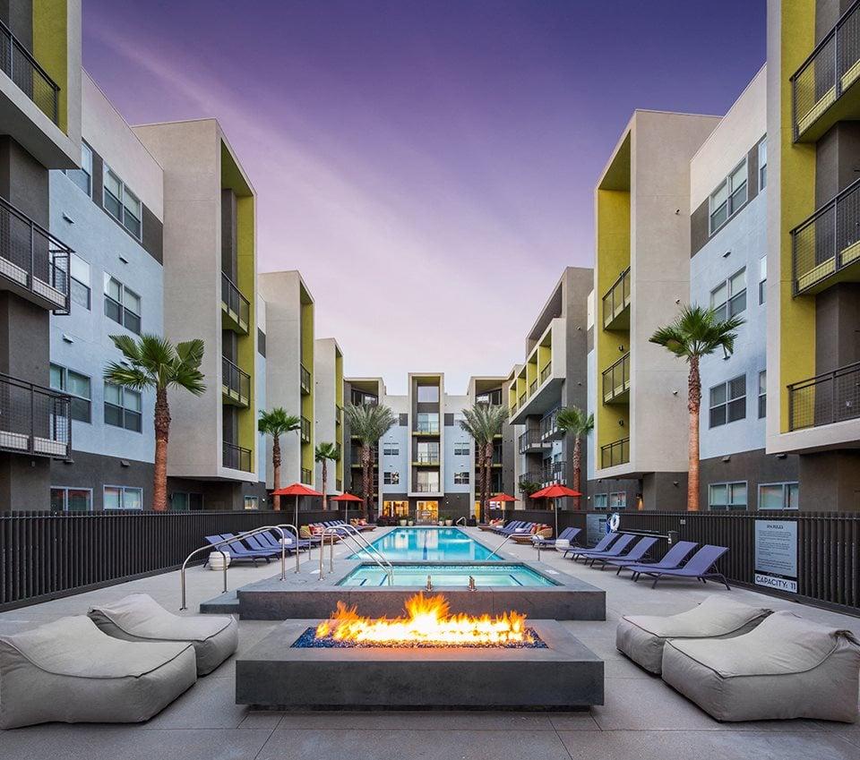 Aspect exterior pool