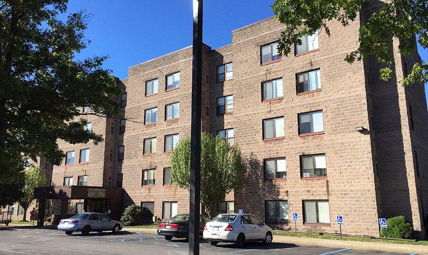 Oakmound Apartments in Clarksburg, WV