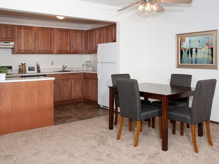 Contemporary Kitchen Finishes at Hillsborough Apartments, Roseville, 55113