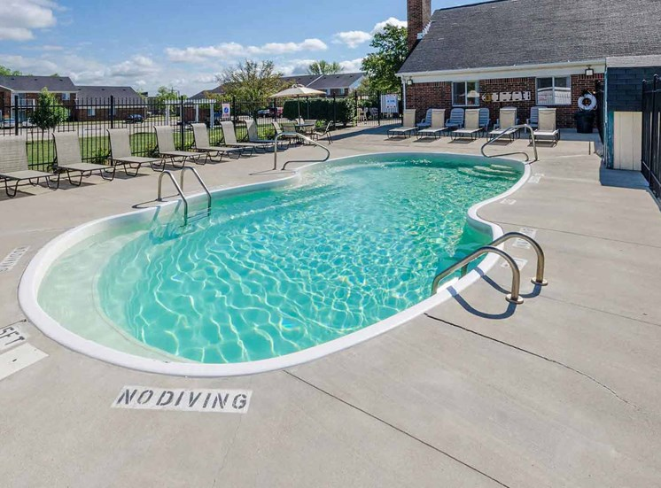 Pool with Custom Steps at Bradford Place Apartments, Lafayette