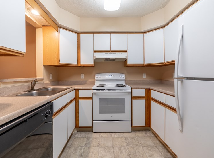 Spacious Kitchen at Bradford Ridge Apartments, Bloomington, Indiana