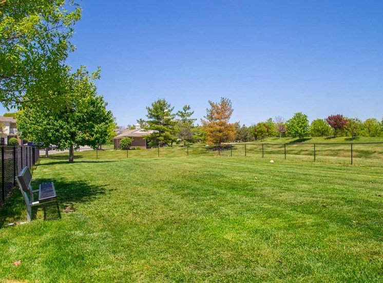Green spaces at The Reserve at Williams Glen Apartments, 2201 Williams Glen Blvd, Zionsville