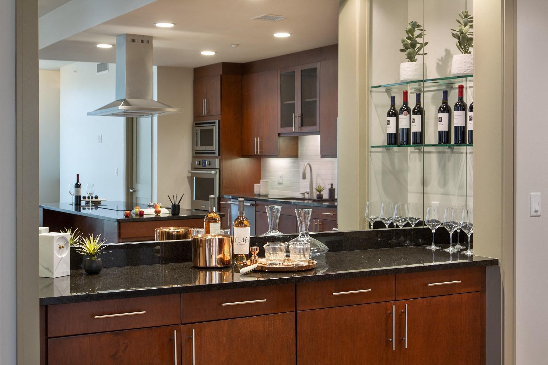 Westwood-Luxury-Apartments-Wilshire-Victoria-Unit-502-Dry-Bar-Granite-Countertops
