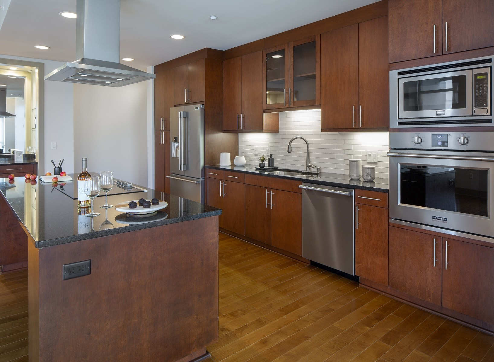 Westwood-Luxury-Apartments-Wilshire-Victoria-Unit-502-Stainless-Steel-Upgraded-Appliances