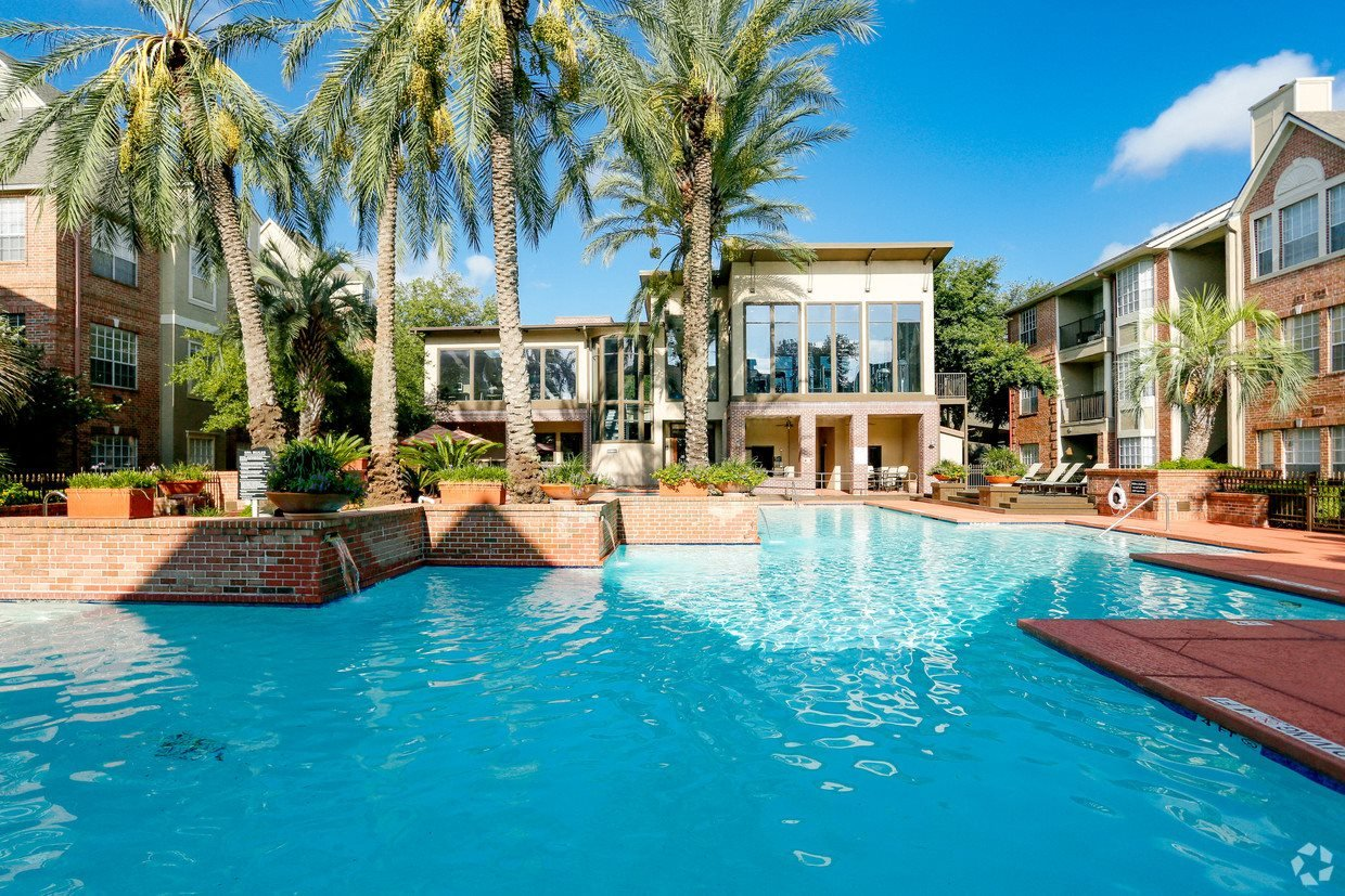 Resort-Style Outdoor Pool and Pergola at The Village at Bellaire in Houston, Texas