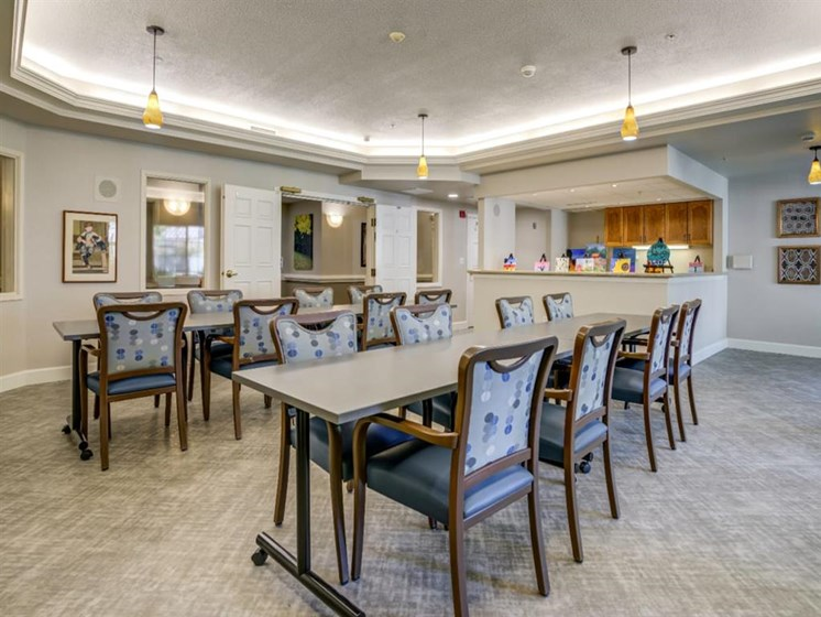 Restaurant Style Dining at Westmont of Fresno, California