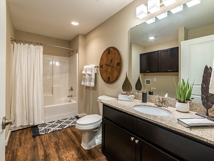 Marysville OH Apartment Rentals Redwood Milford Crossing Bathroom