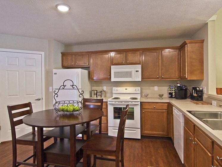 Marysville OH Apartment Rentals Redwood Milford Crossing Kitchen