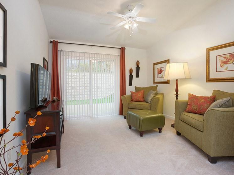 fort wayne apartment rentals redwood fort wayne wallen road living room