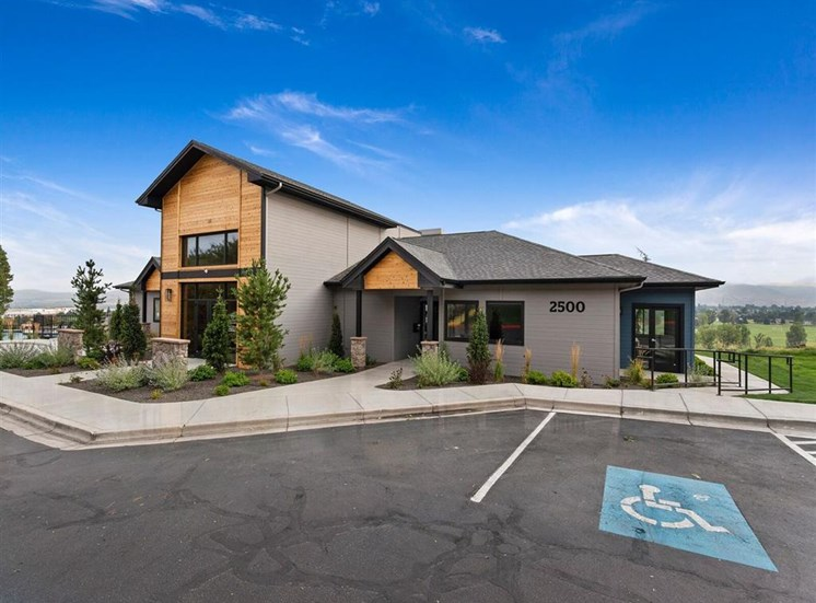 Exterior View Of The Clubhouse at Columbia Village, Boise, ID, 83716