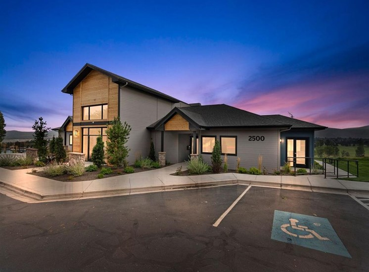 Exterior View Of The Clubhouse at Columbia Village, Idaho