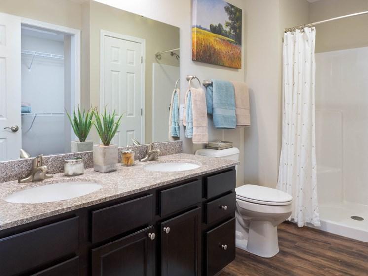 Brownsburg IN Apartment Rentals Redwood Brownsburg  Bathroom