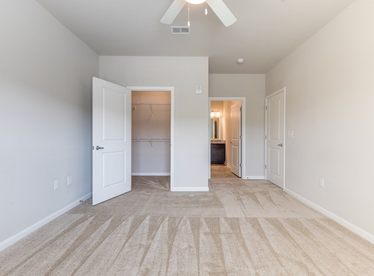 Spacious Bedrooms and Closets at The Roseberry, Columbia