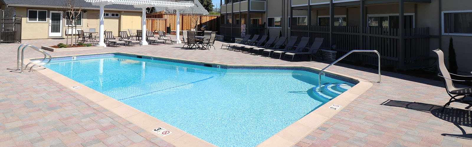 Pool with seating