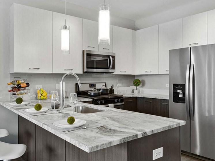 kitchen of lakeside of oak brook apartment