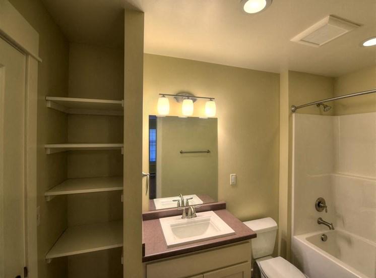Spacious bathroom at Saddleview Apartments, Bozeman, 59715
