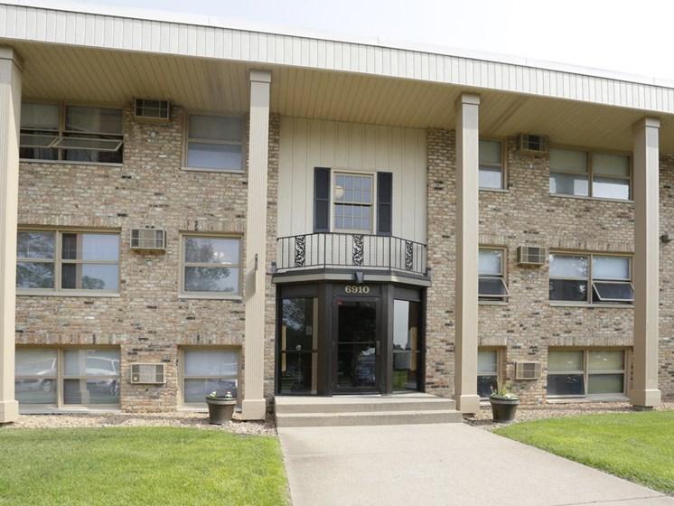 Carrington Drive Front Building 2
