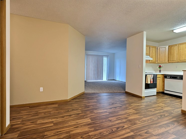 Flagstone Apartments | 2 Bdrm - Dining Room