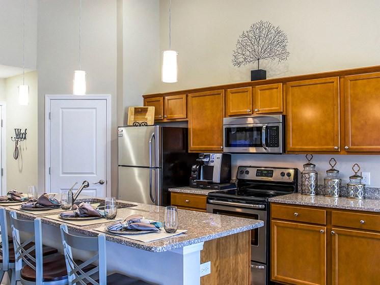 Delta Township MI Apartment Rentals Redwood Pepper Ridge Kitchen