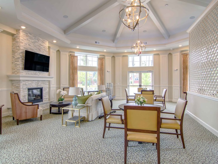 clubhouse table and chairs at northlake senior