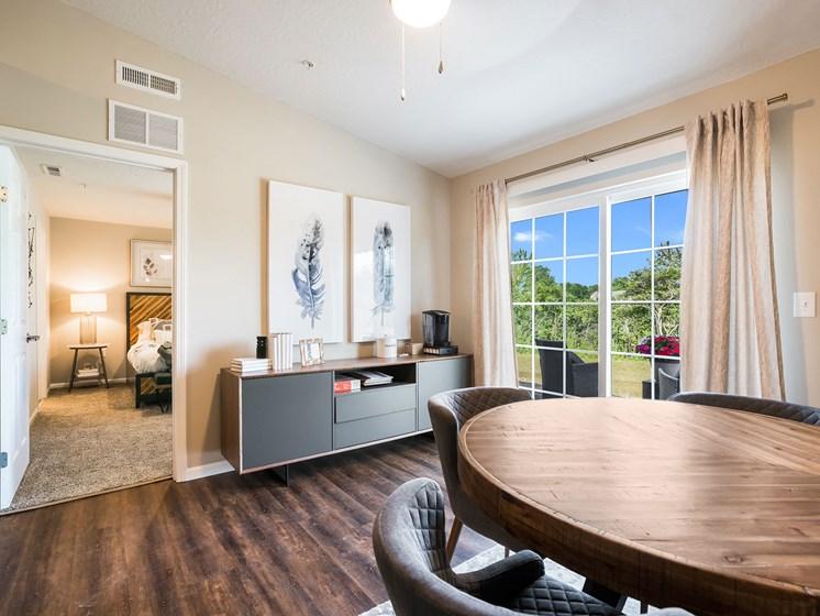 Grand Blanc MI Apartment Rentals Redwood Grand Blanc Den To Bedroom