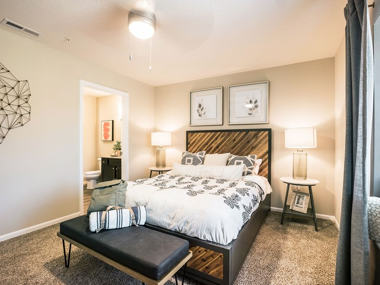 Grand Blanc MI Apartment Rentals Redwood Grand Blanc Main Bedroom
