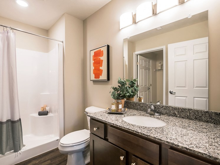 Grand Blanc MI Apartment Rentals Redwood Grand Blanc Second Bathroom