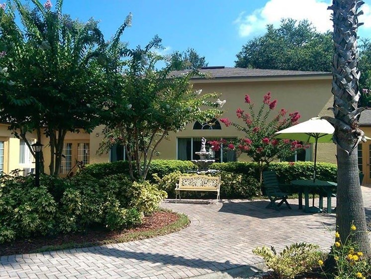 Courtyard Patio With Ample Sitting at Savannah Court of St Cloud, Florida, 34769