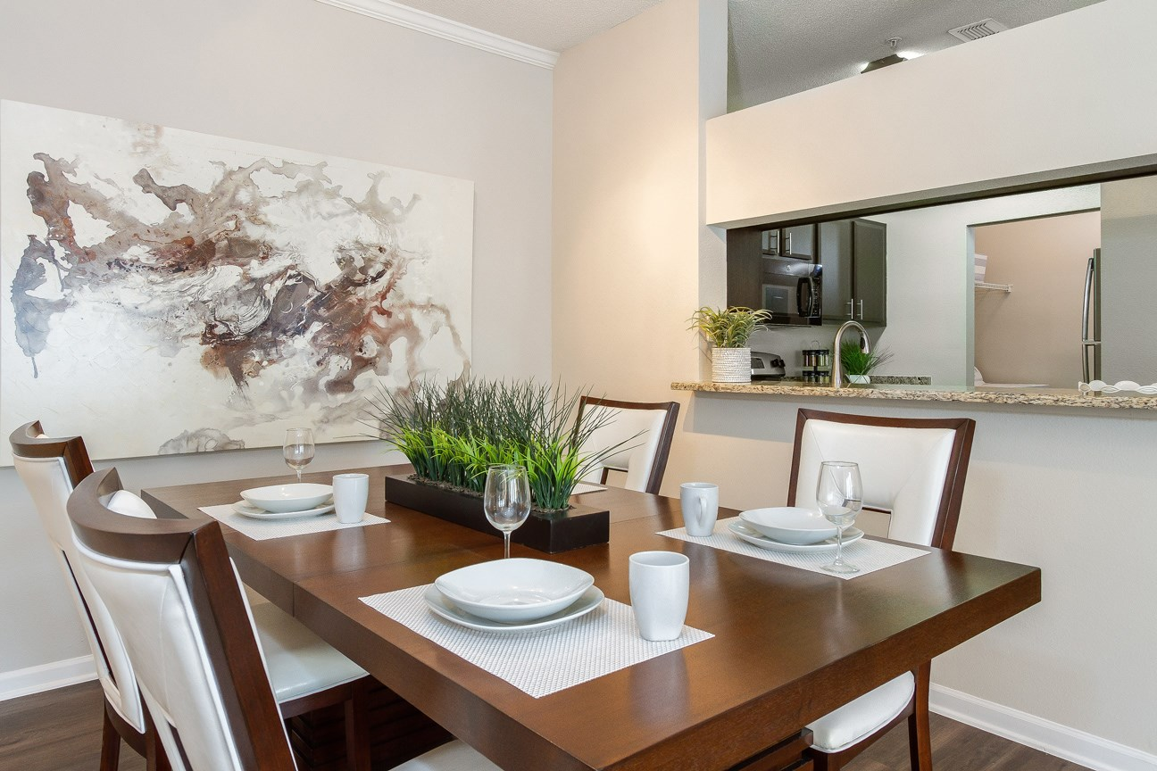 Dining Area at The Preserve at Tampa Palms Apartments in Tampa, FL