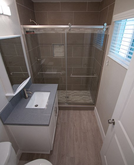 model unit bathroom glass shower