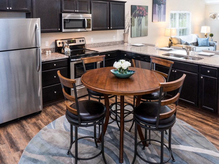 Indianapolis IN Apartment Rentals Redwood Camden Oakes Kitchen