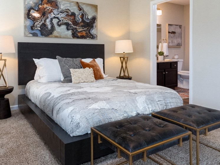 Indianapolis IN Apartment Rentals Redwood Camden Oakes Master Bedroom