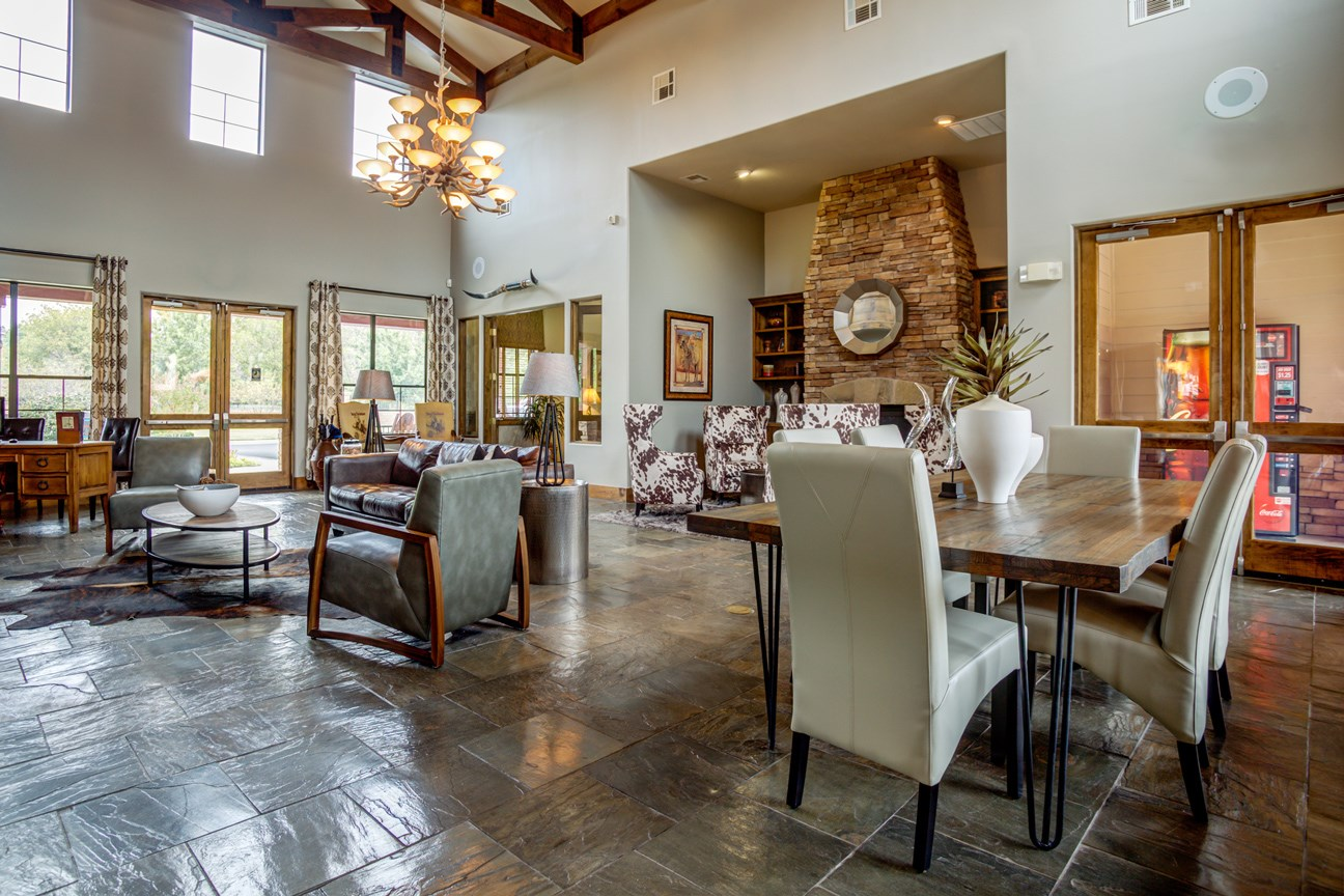Clubhouse at The Ranch at Pinnacle Point Apartments in Rogers, AR