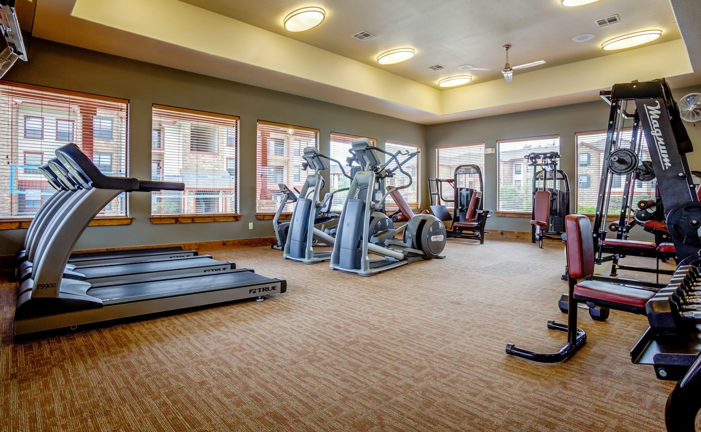 Fitness Center at The Ranch at Pinnacle Point Apartments in Rogers, AR