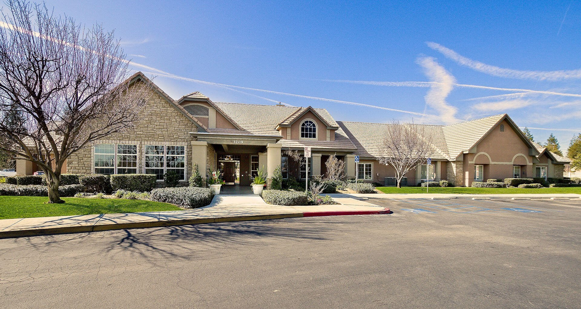 Spacious Outside Area With Ample Parking at Pacifica Senior Living Bakersfield, California