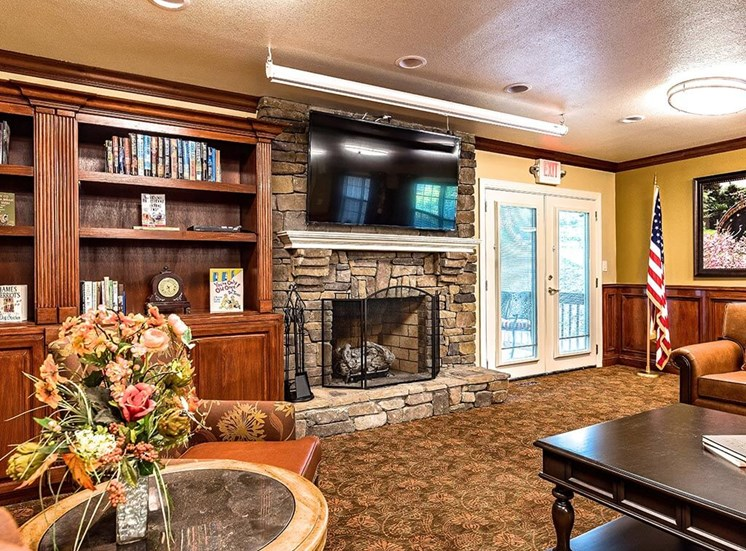 Meet Friends in the Clubhouse at Pacifica Senior Living Heritage Hills in Hendersonville, North Carolina