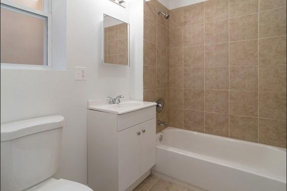Bathroom of West Garfield Park Apartments   Pangea Real Estate