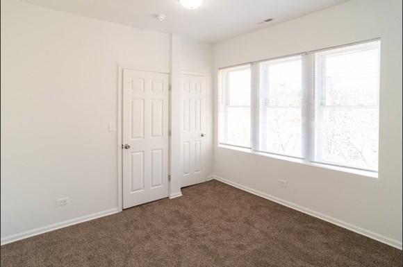 Bedroom of West Garfield Park Apartments   Pangea Real Estate