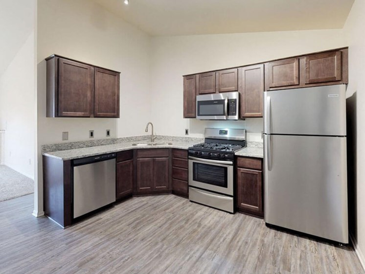 townhomes for rent with stainless steel appliances