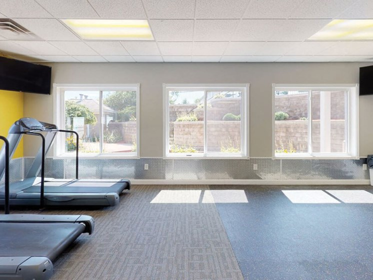 fitness center at Bloomfield Townhomes