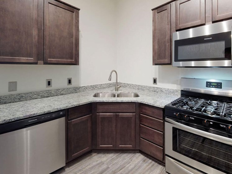 Townhomes in Grand Rapids with nice kitchen