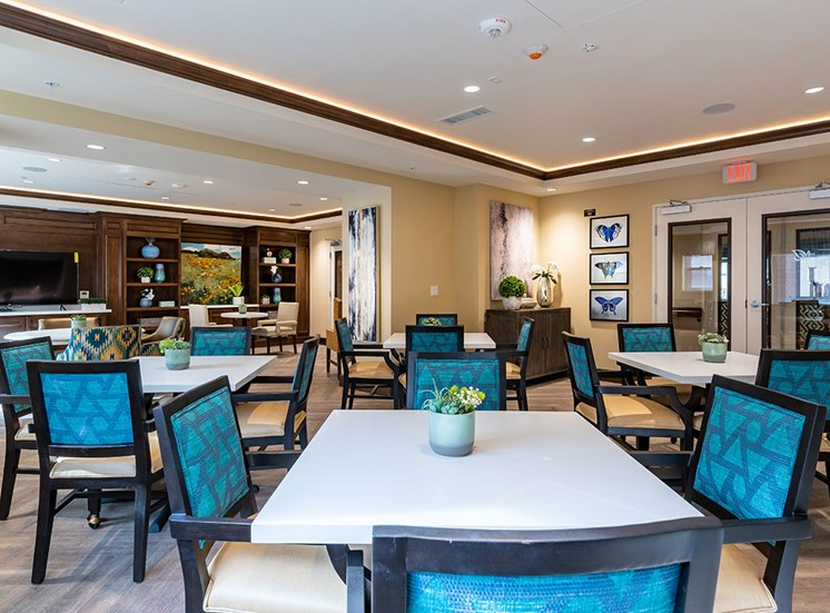 Restaurant Style Dining at Hollywood Hills, A Pacifica Senior Living Community, Los Angeles, CA