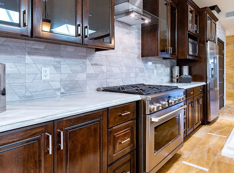 Fully Furnished Kitchen at Hollywood Hills, A Pacifica Senior Living Community, California, 90028
