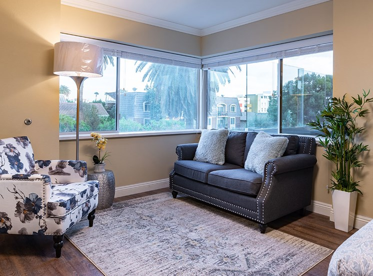 Comfortable Living Room at Hollywood Hills, A Pacifica Senior Living Community, Los Angeles, California
